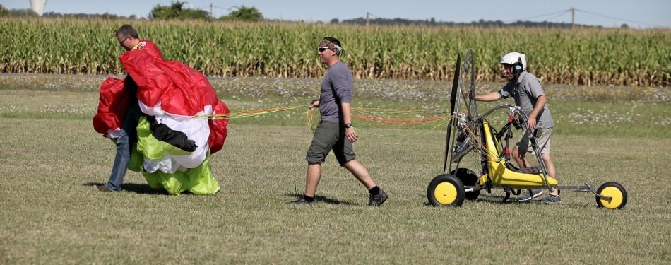Formation  au brevet de paramoteur en décollage à pied et chariot